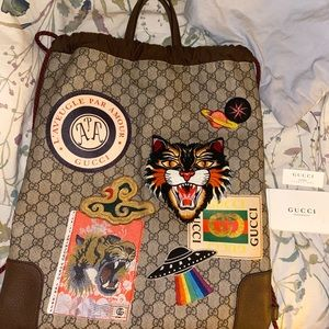 AUTHENTIC Gucci Courrier GG Supreme Drawstring
